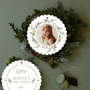 deck_the_halls_scalloped_circle_card1